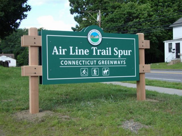 Air Line Trail Spur Sour Sign